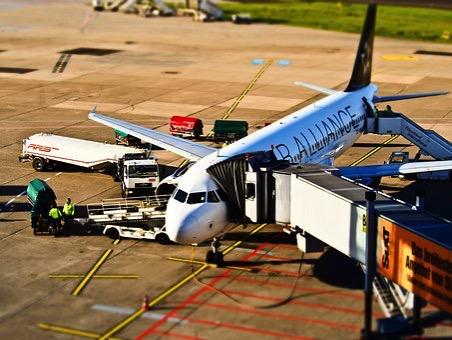 Airport 1105980 340